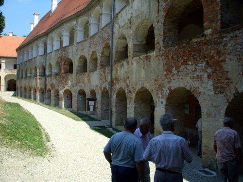 To je največji grad na Slovenskem, 365 sob