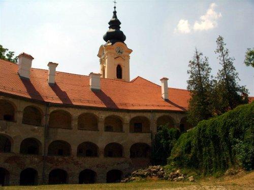 Pogled proti grajski kapeli