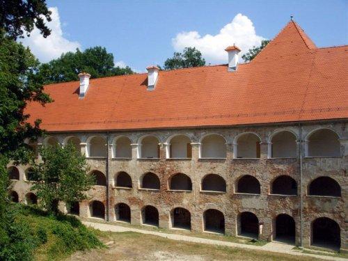 Da bo grad v celoti obnovjen je še veliko dela