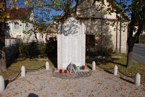 Spomenik padlim vojakom v 1. svetovni vojni,ob prilkjučku Stare poti na Slovensk
